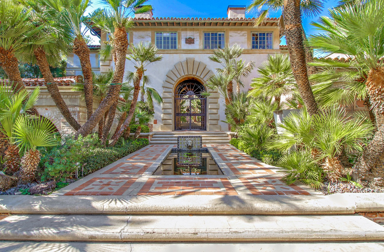 Villa dEste  Apartments in West Hollywood CA