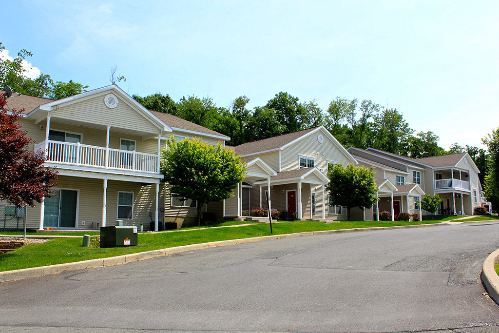 Photos and Video of Oak Hill Apartments and Townhomes in