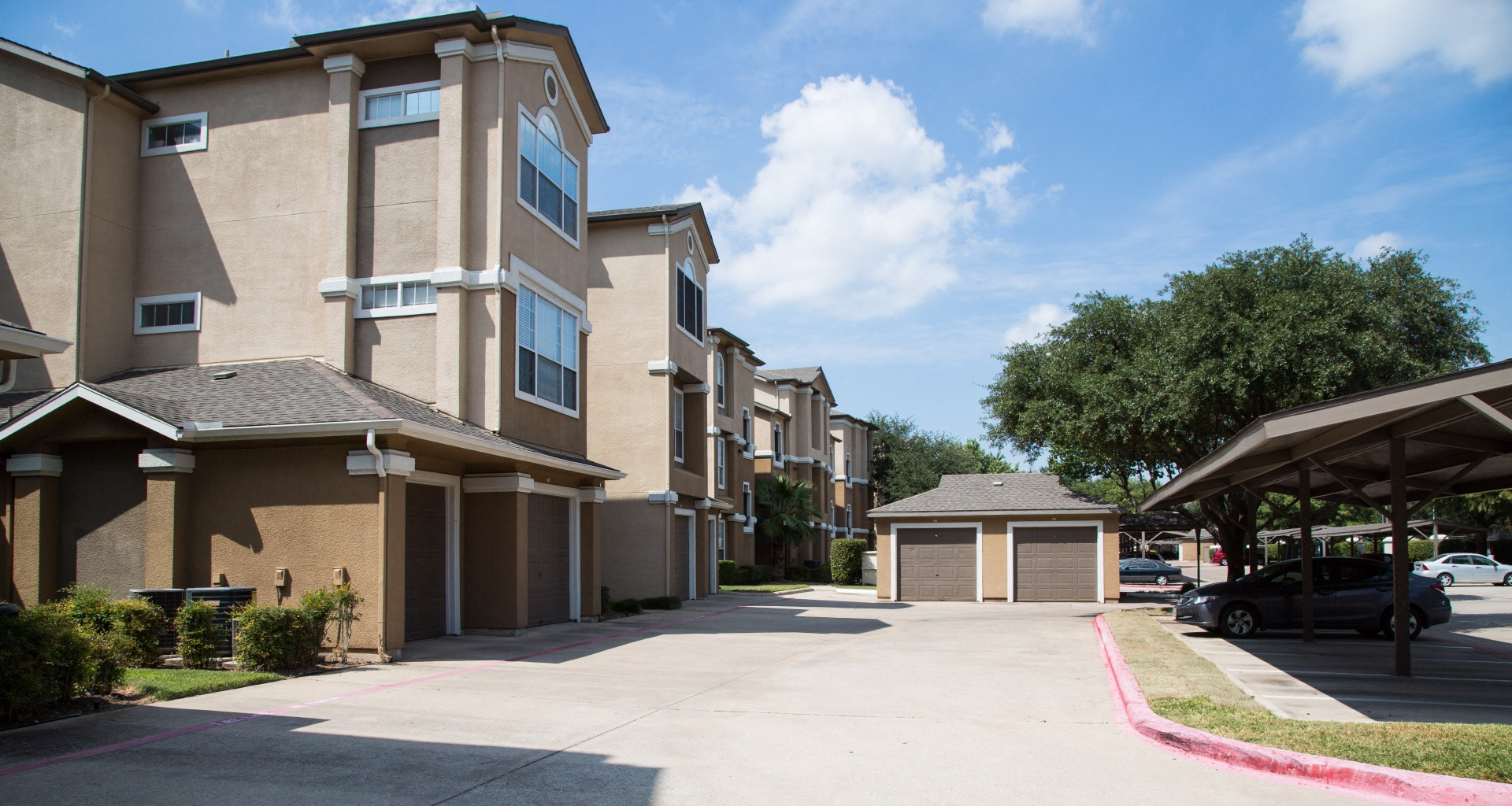 Attached Garage Apartments Dallas Tx