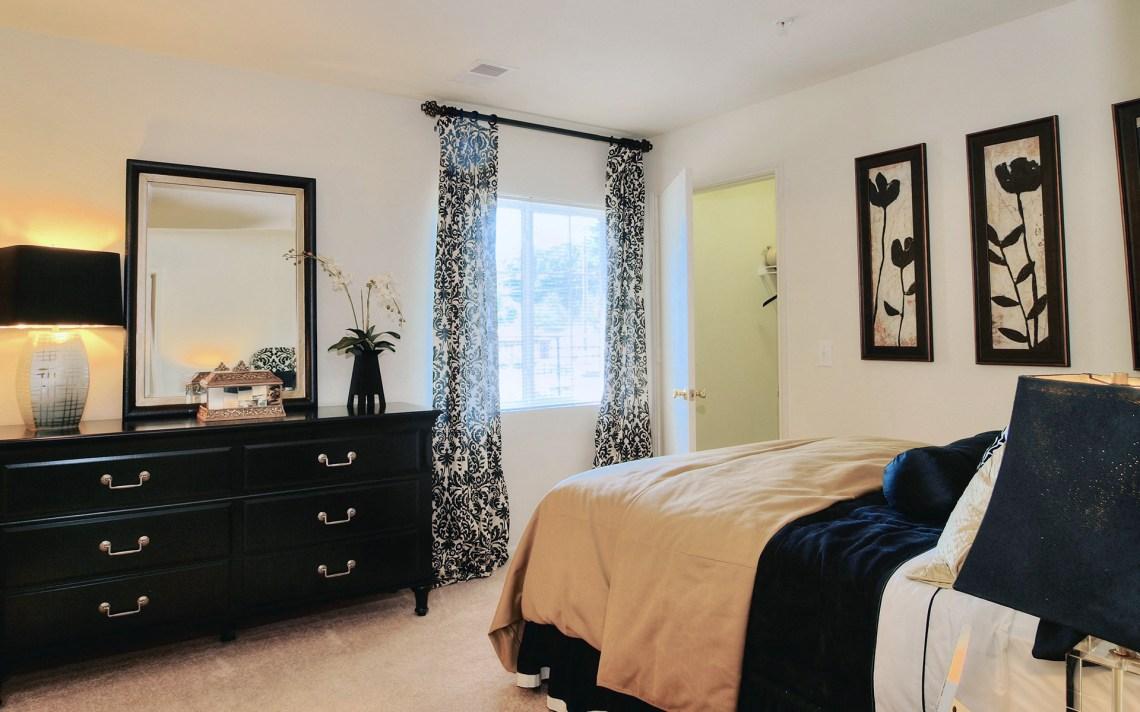 Live In Cozy Bedrooms Battleground North  Bedroom Apartment Model