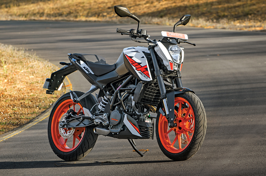 Choosing between the KTM Duke 200 and Pulsar RS200 - Feature - Autocar India