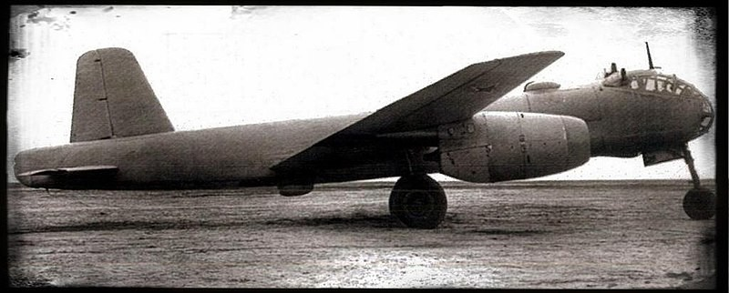Primer prototipo del Junkers/OKB-1 EF 140 (1948)