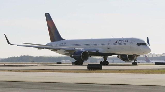 Un avión con estrellas de la NBA choca de frente con un ovni (FOTOS)