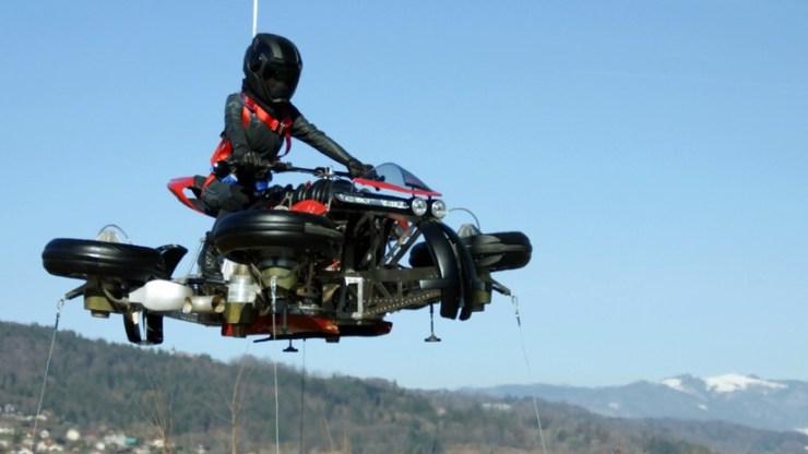 Anuncian la producción de la primera moto voladora de la historia: ¿Cómo será? (VIDEO, FOTOS)