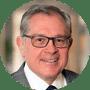 James L. Madara, vicepresidente ejecutivo de la Asociación Médica Estadounidense