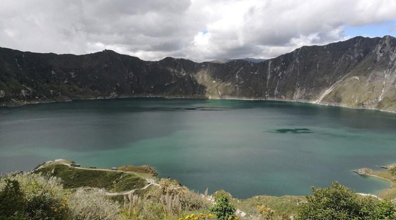 Quilotoa, el coloso que alberga una de las 15 lagunas de origen volcánico más hermosas del mundo