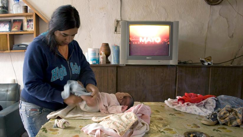 Cada seis minutos una adolescente tiene un hijo en Argentina