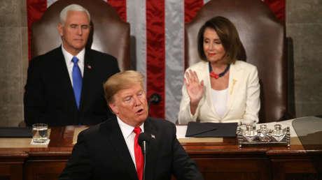 Mike Pence y Nancy Pelosi escuchan un discurso de Donald Trump en Washington (EE.UU.), el 5 de febrero de 2019.