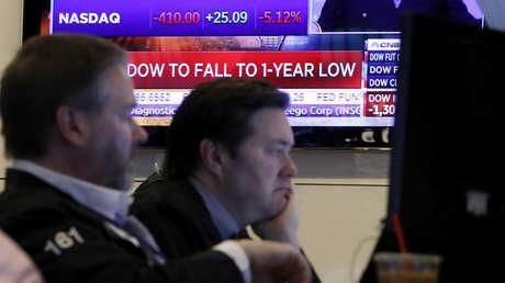 Suspenden las operaciones en Wall Street por el drástico desplome en la apertura de la sesión