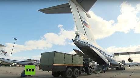 Aterrizan en Italia aviones militares rusos con especialistas y equipos para la lucha contra el coronavirus