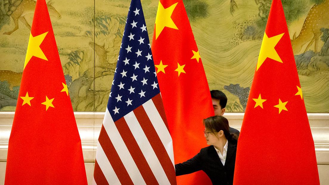 """China amenaza a EE.UU. con una """"respuesta apropiada"""" por las restricciones contra sus medios de comunicación"""