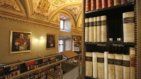 El papa Francisco nombra a una mujer como máxima responsable de la Biblioteca Apostólica