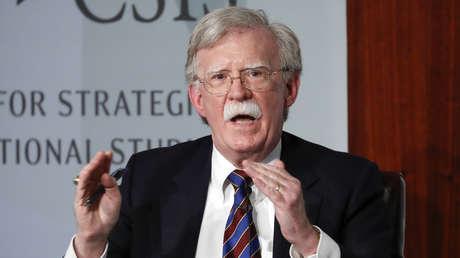 Bolton cuenta en su libro qué pensaba Trump acerca de la idea de invadir Venezuela