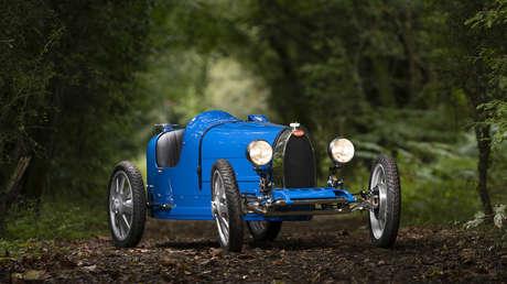 Bugatti fabrica un inusual coche eléctrico, un 'juguete' que puede ser conducido hasta por niños