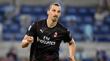 """Zlatan Ibrahimovic da positivo a la prueba del covid-19 y afirma que para el coronavirus fue """"una mala idea"""" contagiarlo"""