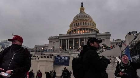 La Policía encontró una camioneta llena de explosivos y de armas cerca del Capitolio el mismo día de los disturbios