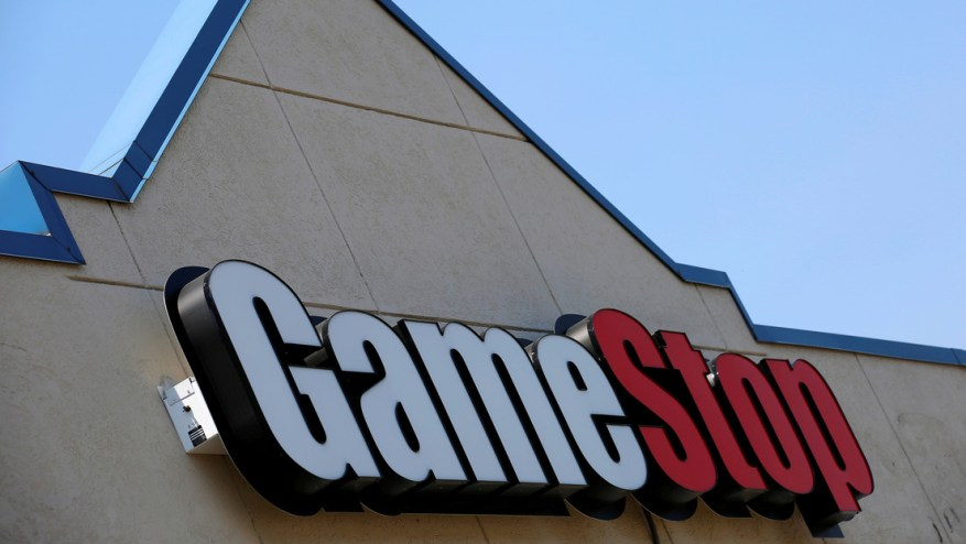 GameStop plummets 50%, with a cumulative drop of 65% in two days
