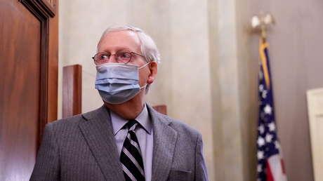 """El líder republicano del Senado de EE.UU. califica de """"cáncer"""" las teorías conspirativas que impulsa una congresista de su partido"""