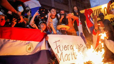 """""""Fuera Marito"""": Una multitudinaria protesta en Paraguay exige la dimisión del Gobierno por la gestión de la pandemia"""