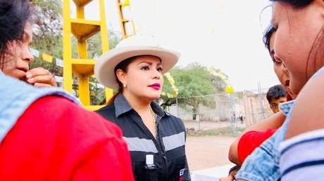 """""""Vengo con mi hijo, esto no puede estar pasando"""": Una candidata mexicana sufre un atentado mientras se dirige al cierre de su campaña"""
