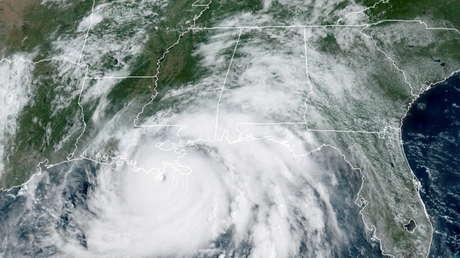 VIDEO: Pilotos estadounidenses captan el momento en que su avión entra en el ojo del huracán Ida