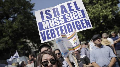 Pro-Israel-Aktivisten protestieren in Berlin am