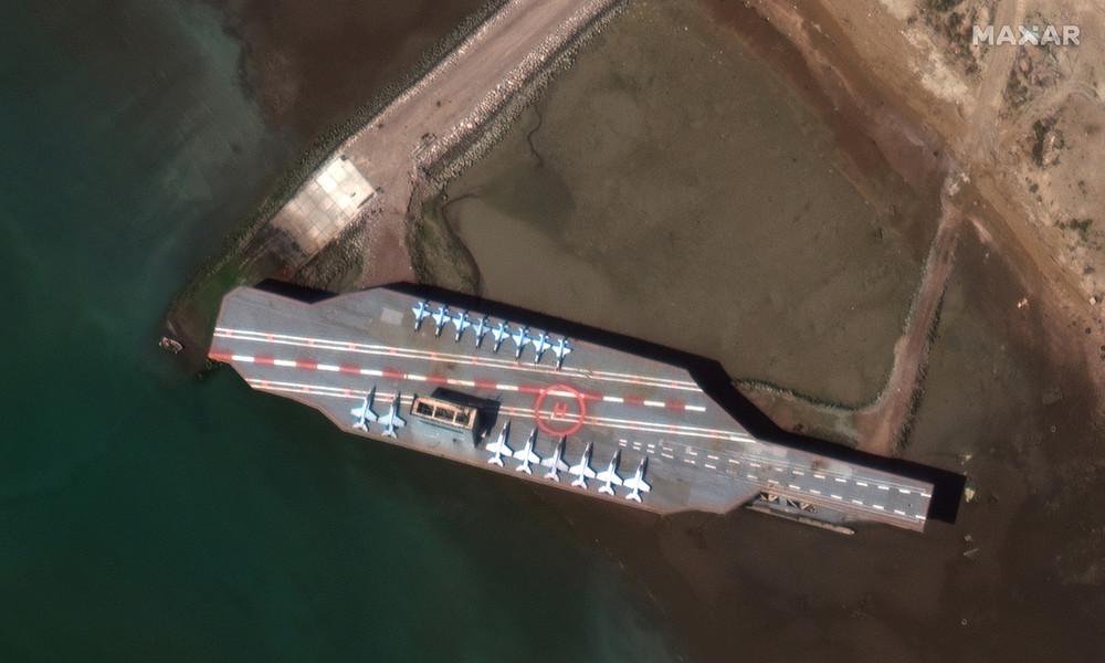 USA fühlen sich provoziert: Iranische Revolutionsgarde attackiert US-Flugzeugträger-Attrappe