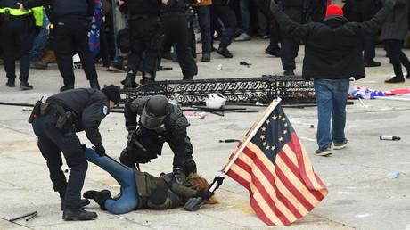 """""""Unerträglicher Anschlag auf die Demokratie"""": Reaktionen auf den Sturm des Kapitols in Washington"""