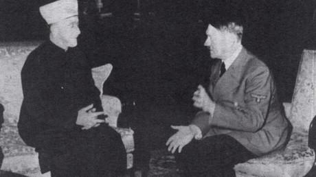 German Fuhrer Adolf Hitler and Grand Mufti of Jerusalem Mohammad Amin Al-Husseini meet in Berlin, 30 November 1941 © HO
