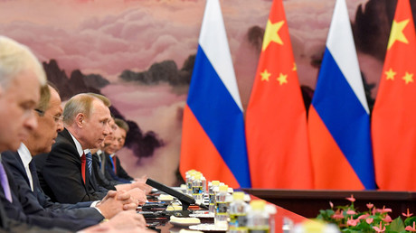 Chinese Premier Li Keqiang meets Russian President Vladimir Putin at the Great Hall of the People on in Beijing, China, May 14, 2017 © Etienne Oliveau