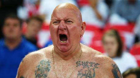 England fan © Kieran Galvin  UK tabloid re-uses clip of festival-goers to threaten World Cup violence — RT Sport News 5afbf0a2fc7e93800b8b45f5