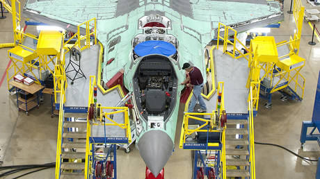 5c8c15f0fc7e9315438b456b Pentagon doesn't really know how $2.1 BILLION was spent on F-35 parts – watchdog