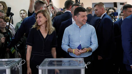 5d347854dda4c8ad5a8b45cc Ukraine's Zelensky gains parliamentary faction in snap election