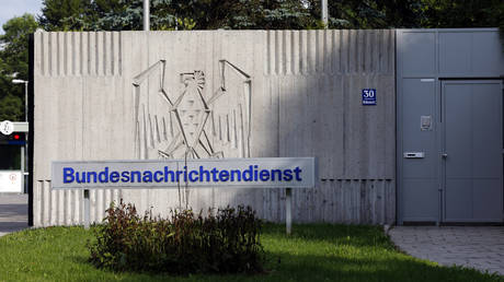 The main entrance to the headquarters of the German intelligence agency Bundesnachrichtendienst (BND) is pictured in Pullach, about 15 km south of Munich, August 13, 2013. © REUTERS / Michael Dalder