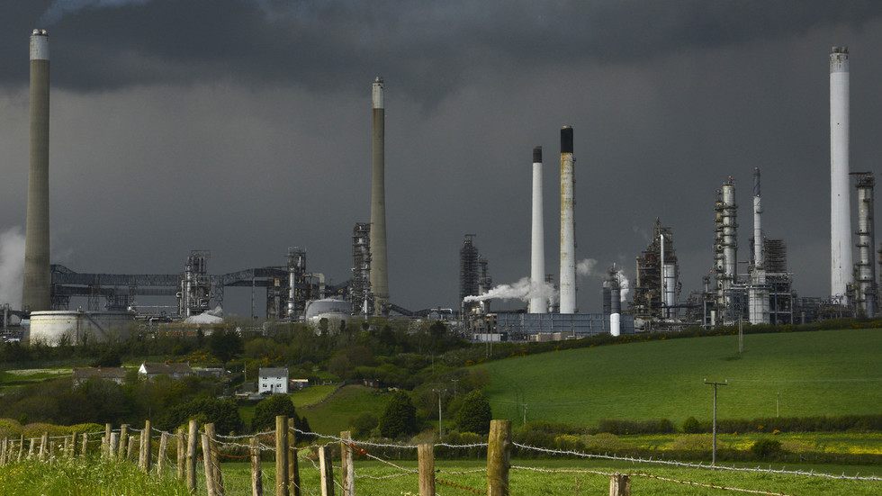 UK faces decline in oil production