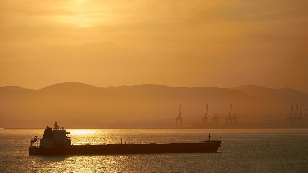 India throws the oil tanker industry a lifeline