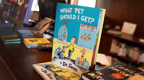 "Dr. Seuss' never-before-published book, ""What Pet Should I Get?"" is seen on display on the day it is released for sale at the Books and Books store on July 28, 2015 in Coral Gables, United States © AFP / JOE RAEDLE"