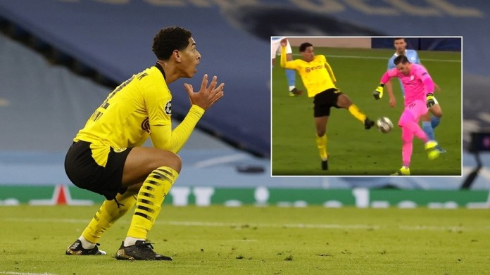 'Genuinely appalling': Fans FURIOUS after referee rules out 'perfectly good goal' for Dortmund against Man City (VIDEO)