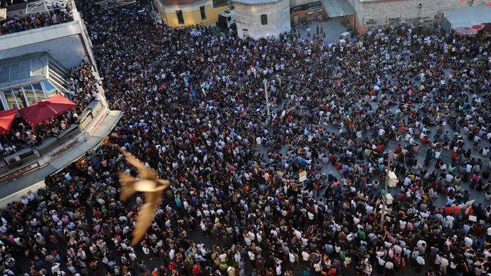 Turkish court scraps plan to redevelop Taksim Square  RT