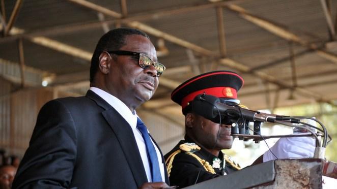 "President of Malawi promises to punish lynchers of ""vampires"""