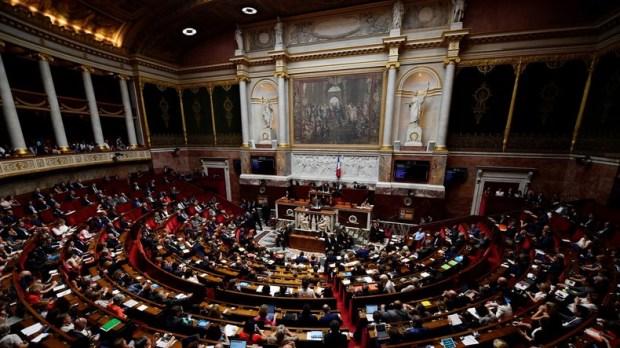 Tapage nocturne : une fête de députés LREM à l'Assemblée provoque l'intervention de la BAC