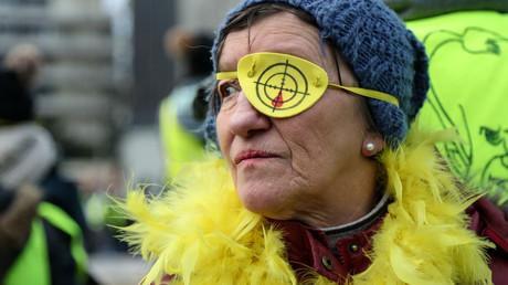 Manifestation des Gilets jaunes le 2 février, à Paris.