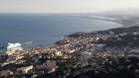 Des explosifs découverts en Corse près de centres d'impôts, quelques jours avant la venue de Macron