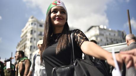 Malgré la démission annoncée de Bouteflika, les Algériens poursuivent leur mobilisation