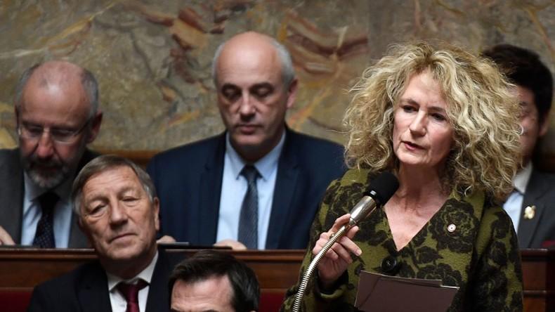 Début de fronde à LREM ? 11 députés s'opposent aux mesures du gouvernement sur l'immigration