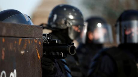 «Un mépris total» : la plainte d'un adolescent blessé par un tir de LBD classée sans suite