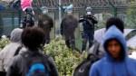 Calais : des associations contestent les restrictions sur la distribution de nourriture aux migrants