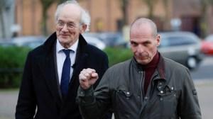 Affaire Assange : l'ancien ministre grec Yanis Varoufakis également sous surveillance ?