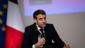 La vaccination, tournant décisif pour la candidature Macron 2022 ?