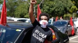 «Vaccin pour tous» : la gauche brésilienne manifeste contre la gestion de la pandémie par Bolsonaro